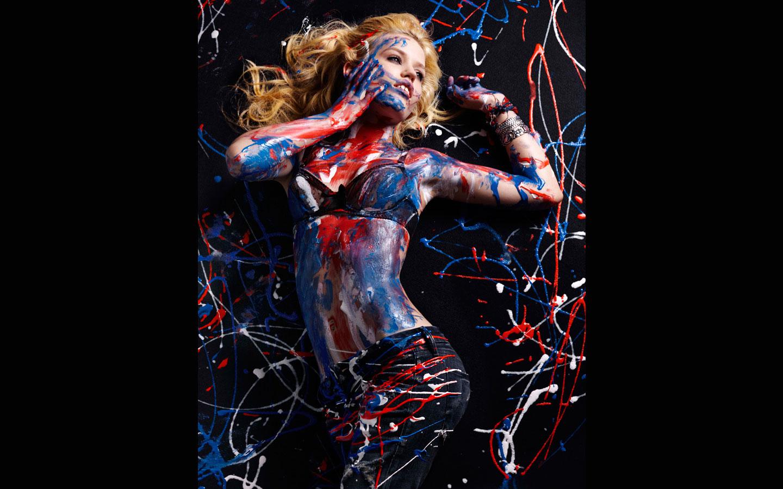 http://1.bp.blogspot.com/_kDujDzwdR0M/TQNw282QgmI/AAAAAAAACOw/f2_P6iTNP24/s1600/Georgia_May_JaggerHudson_Jeans_SS210009.jpg