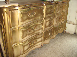 Uhuru Furniture Collectibles French Provincial Bedroom Set Worth
