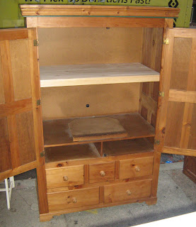 Attrayant Tall Country Style Pine TV Armoire   SOLD!