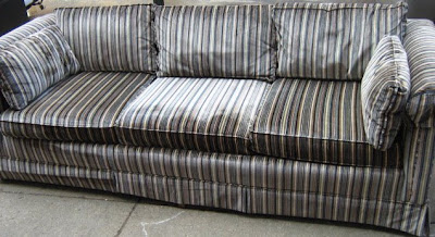 [retro+couch.jpg]