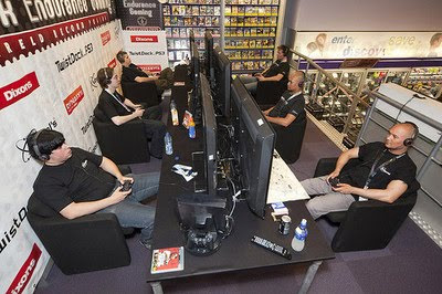 Non-stop play game photo, Dutch gamers set Guinness World Record picture, video game, Sony PlayStation, continuous playing game