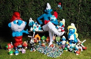 World Largest Smurf Collection picture, New Guinness World Records 2011, latest Guinness Records 2011, Current World Records 2011, Funny ginis records 2011, Recent guinis world record 2011, 2011 Guinness world records