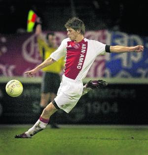 Olympique de Lyon News Klaas-jan-huntelaar-netherlands