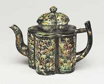 Staffordshire Teapot with pierced decoration (c.1760-65)