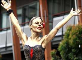 Peter Corlett - Bronze sculpture of Kylie Minogue (2007)