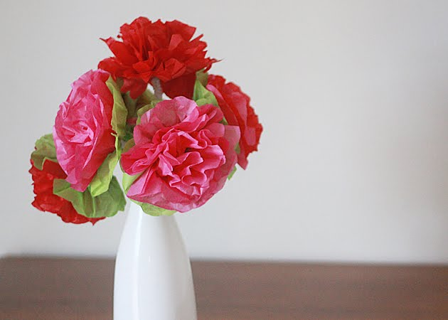 how to make paper flowers wedding. how to make paper flowers