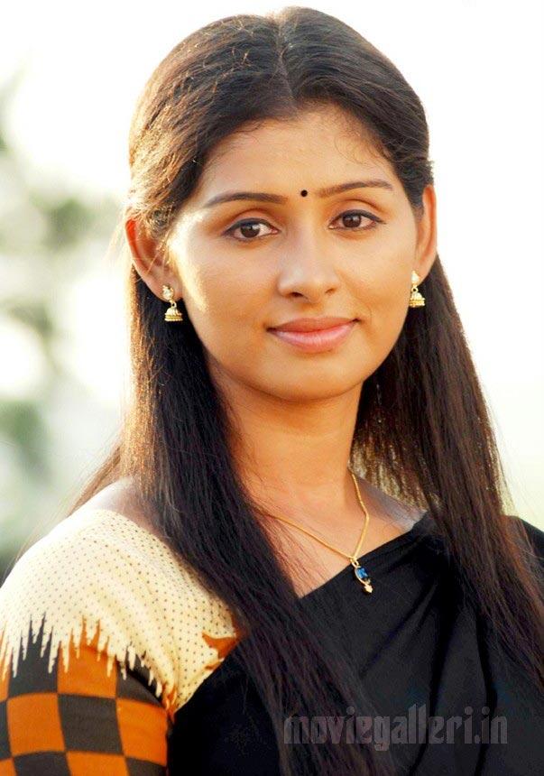 Patta Patti Actress Harini Stills Harini Tamil Actress Gallery