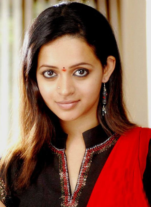 [bhavana-latest-hot-pics-photo-02.jpg]