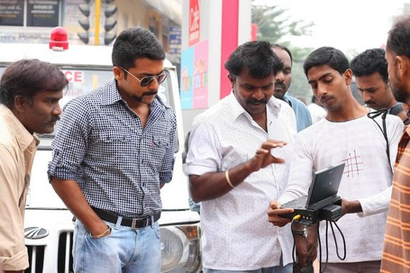 [singam-shooting-stills-02.jpg]