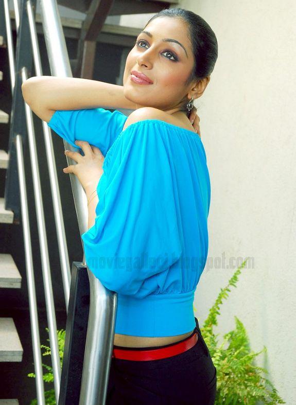 [Padmapriya-Latest-hot-pics-photos-stills-pictures-07.jpg]