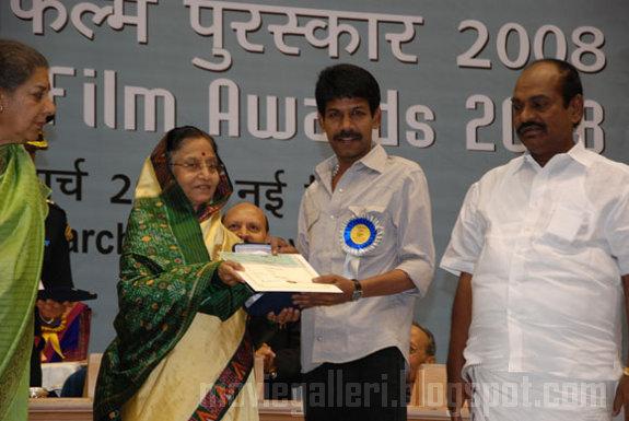 [bala-56th-National-Awards-2010-stills-01.jpg]