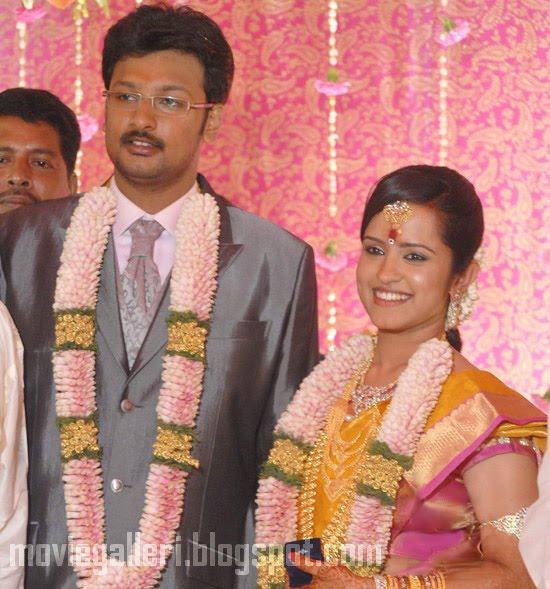 [Durai-Dayanidhi-Azhagiri-Engagement-Stills-01.jpg]