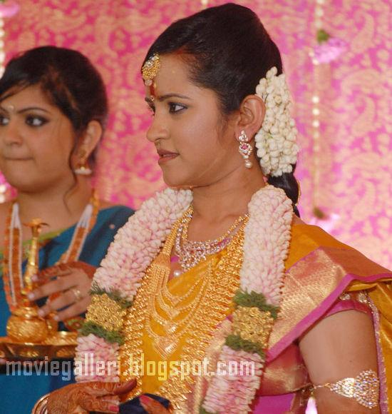 [Durai-Dayanidhi-Azhagiri-Engagement-Stills-02.jpg]