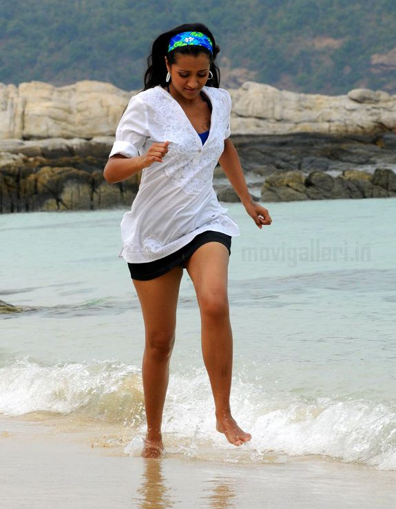 [trisha-hot-swimsuit-thigh-pics-photos-stills-07.jpg]