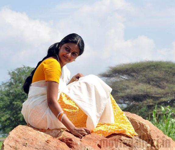 http://1.bp.blogspot.com/_kLvzpyZm7zM/S7GYOo4PlEI/AAAAAAAAIj8/9q0ATjrwa9I/s1600/actress-nandagi-latest-stills-pics-photos-03.jpg
