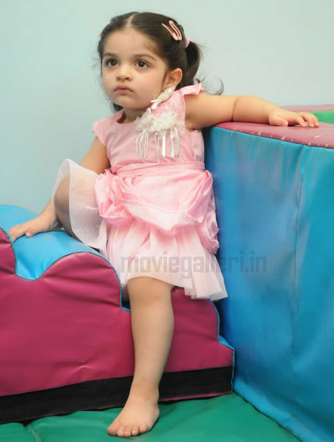 anoushka ajith recent photos