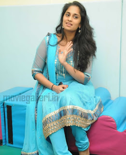 shalini anoushka photos