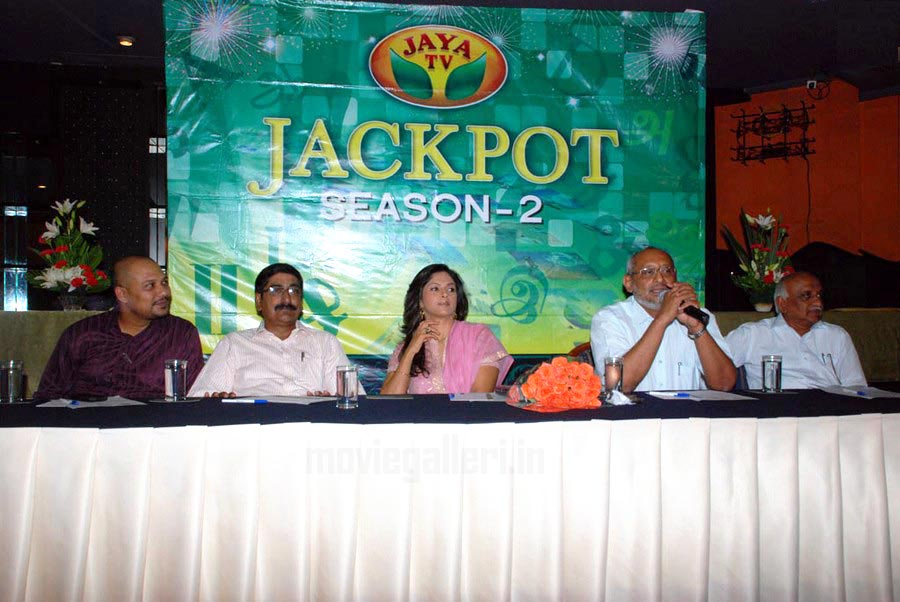 Actress Nadhiya Jaya TV Jackpot Season 2 Launch StillsNadhiya In Jackpot