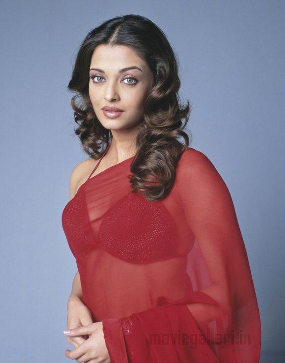 http://1.bp.blogspot.com/_kLvzpyZm7zM/TAsYoibxhYI/AAAAAAAAOwk/s3W7Fx4y2dw/s1600/aishwarya-rai-red-saree-hot-stills-08.jpg