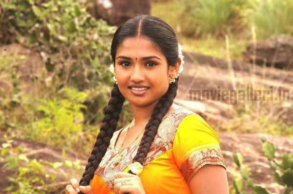 http://1.bp.blogspot.com/_kLvzpyZm7zM/TB48QeEnMWI/AAAAAAAAP-M/PgacFtksJbA/s1600/Tamil_actress_vidya_stills_photos_01.jpg