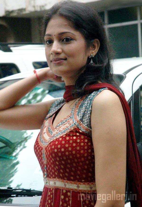 anika tamil actress stills irandu mugam actress anika