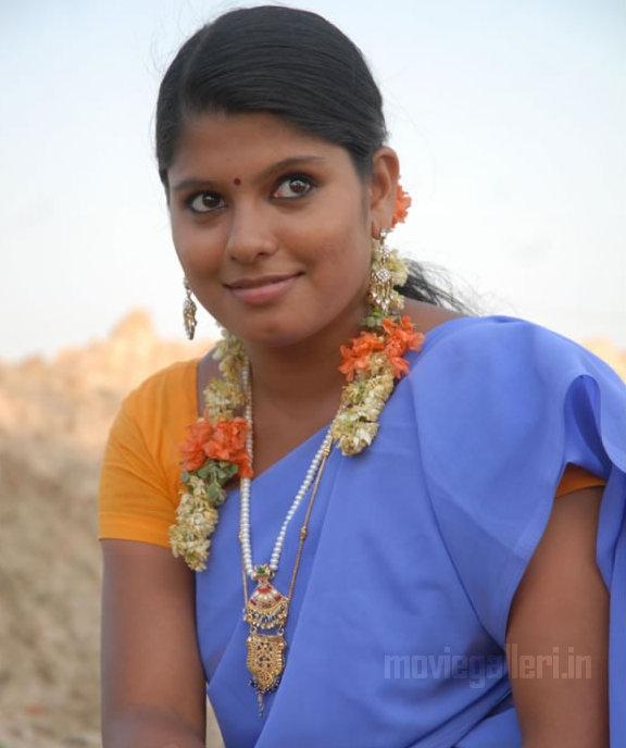 http://1.bp.blogspot.com/_kLvzpyZm7zM/TCwVxvJs94I/AAAAAAAAQm8/76C48Q8dE4E/s1600/munnavar_tamil_movie_stills_photos_03.jpg