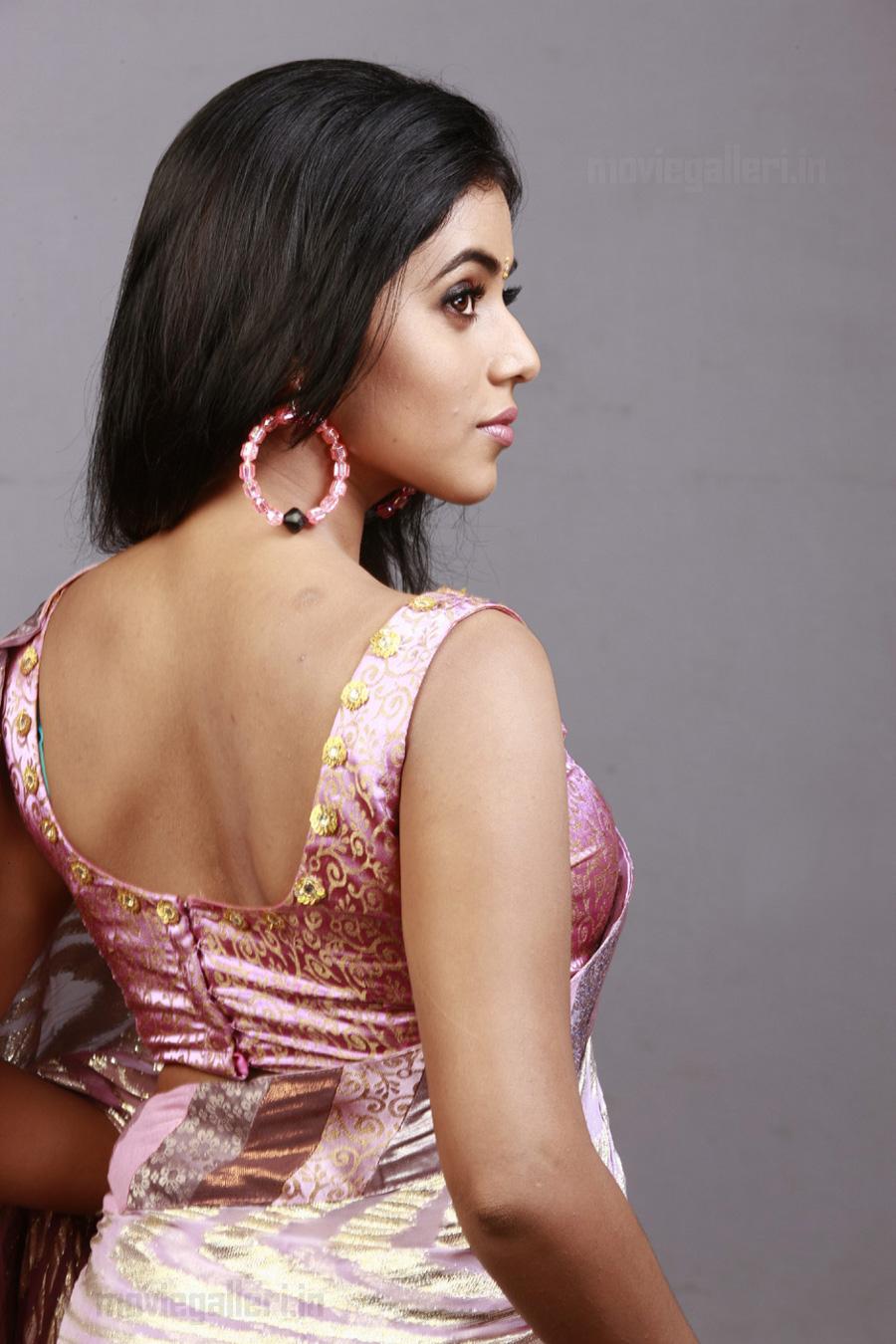 actress poorna hot in saree photo shoot stills new movie