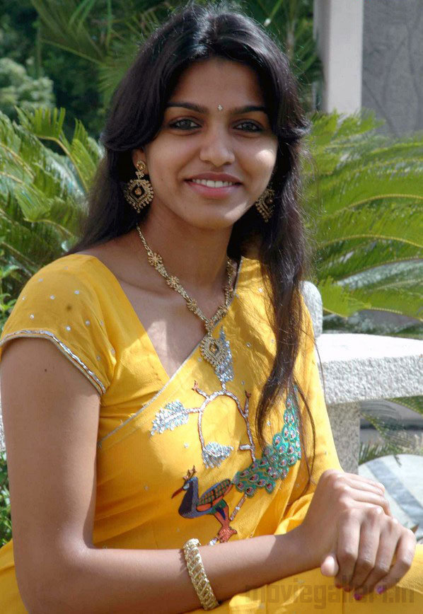 Dhanshika Height
