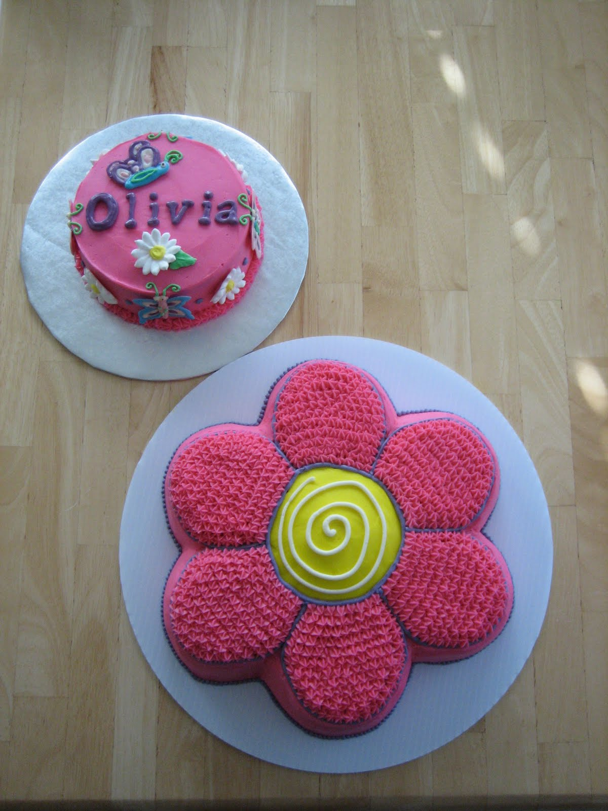 five Butterfly Flower Cakes