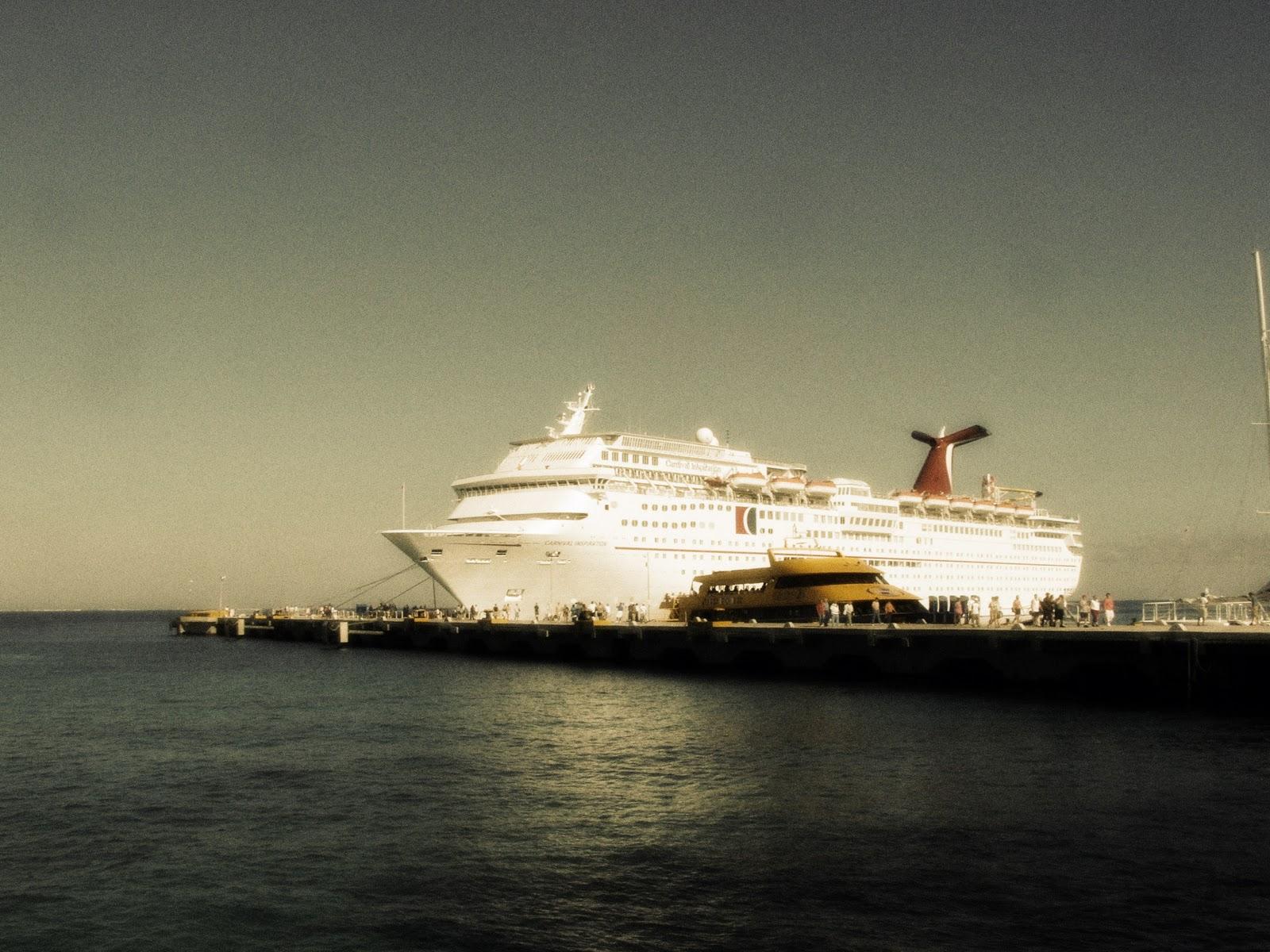 http://1.bp.blogspot.com/_kMkPsXy2RCs/TMeJgXCxrYI/AAAAAAAAFc8/T1IQKyFb-cQ/s1600/cruise+ship+employment02.jpg