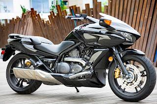 2010 Honda DN-01 Crossover Motorcycles