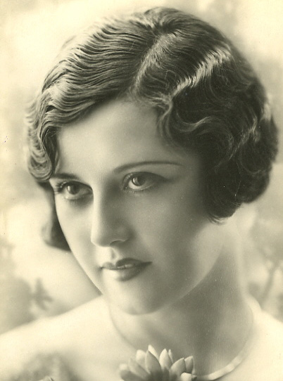 1920s fashion - womens dress and style - fingerwave hairstyles