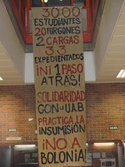 Cartel de apoyo a los expedientad@s de la AUB