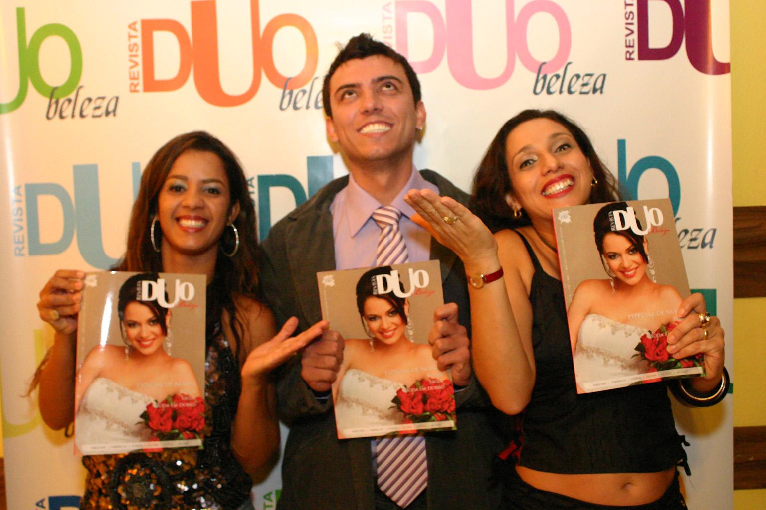 http://1.bp.blogspot.com/_kOQi7c9v0kA/S8NTYkrNWHI/AAAAAAAAA38/LOeHTqci4-o/s1600/TONI+FURTADO+E+VALERIA.jpg