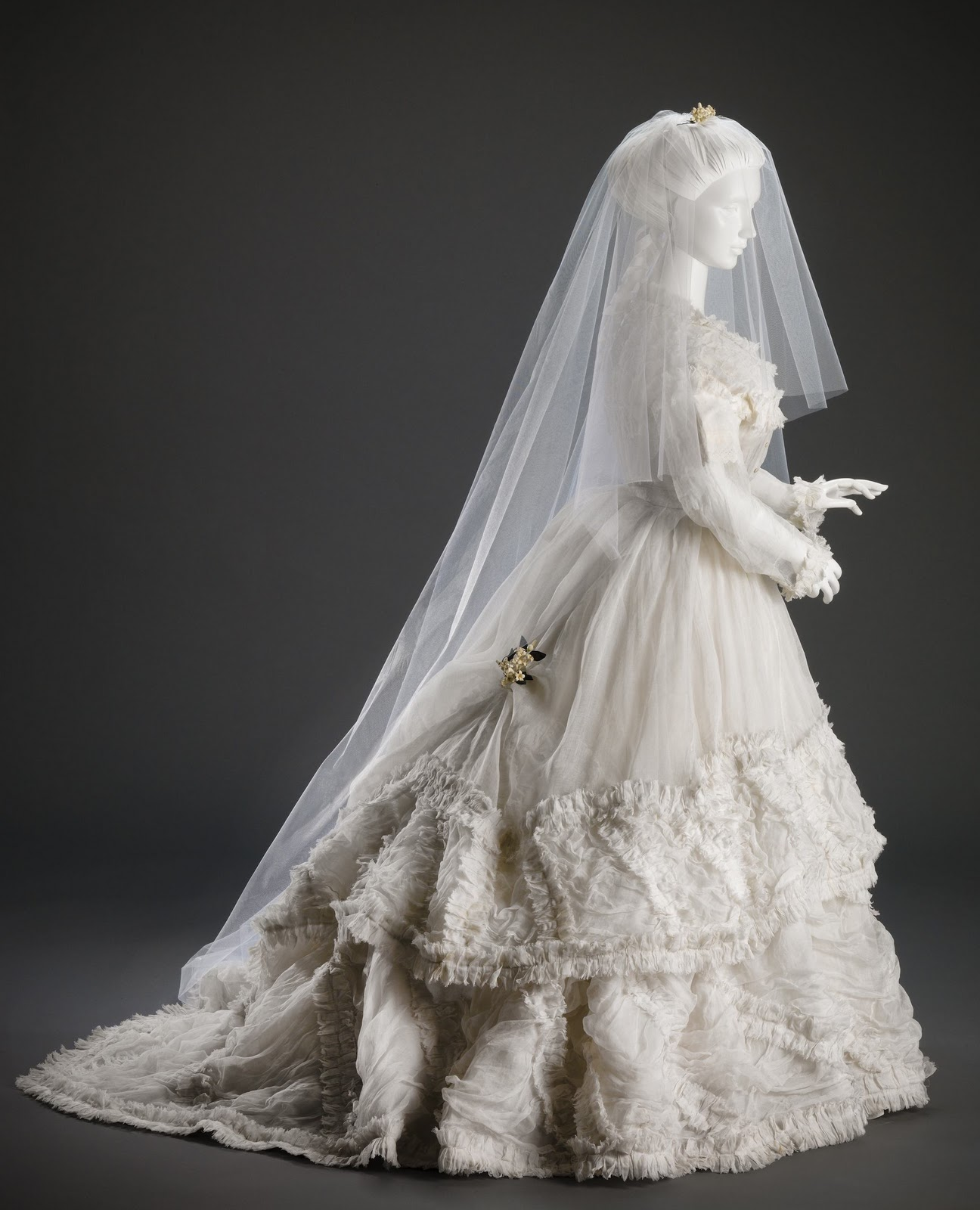 Wedding Dresses Cincinnati: Twirling Clare: Day At The Art Museum