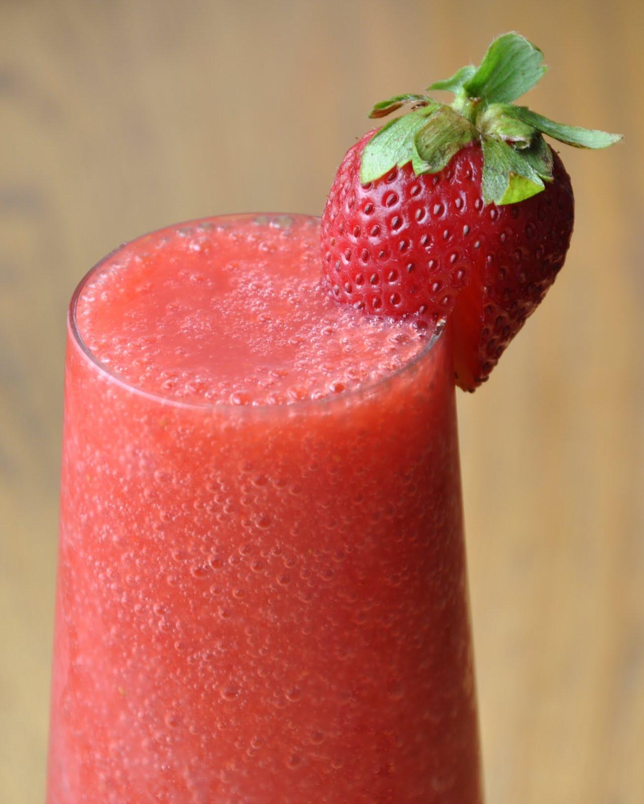 Strawberry-Go-Nuts Smoothie Recipe — Dishmaps