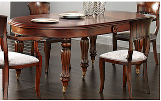 Decoraci n tendencias en estilo cl sico mesas - Mesa ovalada comedor ...