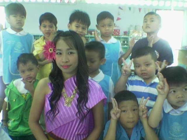 คุณครูน้ำหวานและเด็กๆที่น่ารัก อิอิอิ