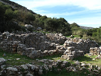 Monoan ruins by the roadside