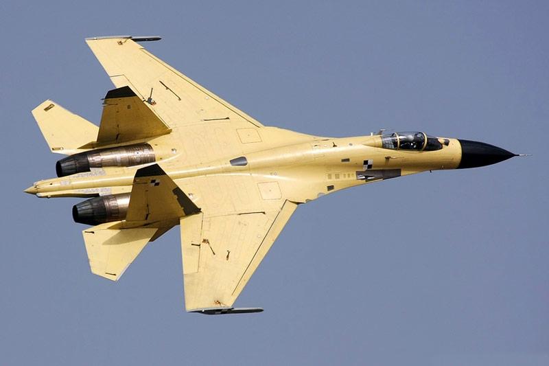 中国の模倣品J-11B