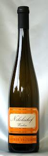 ニコライホーフ イム ヴァインゲビルゲ(グリューナーフェルトリーナー)フェーダーシュピール 2004 ボトル ラベル