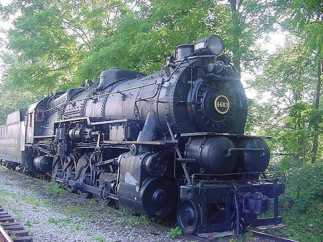 Foto Kereta Api Lokomotif 9