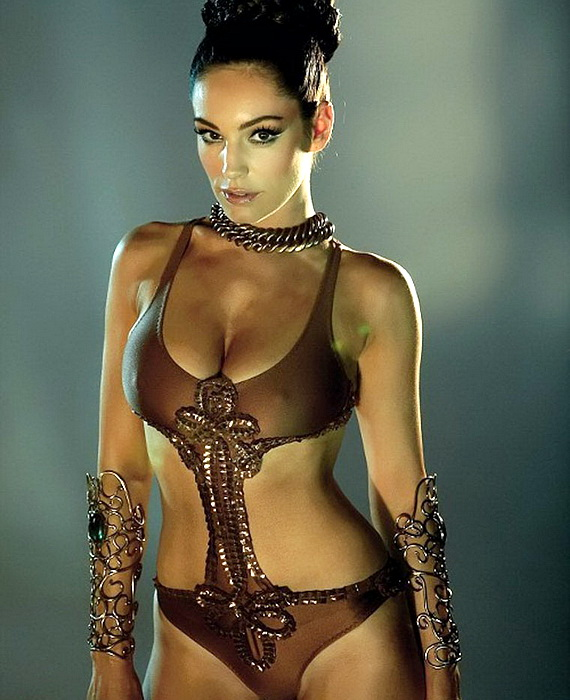 Kelly Brook as Princess Leia, Total Film July 2010, Photo 01