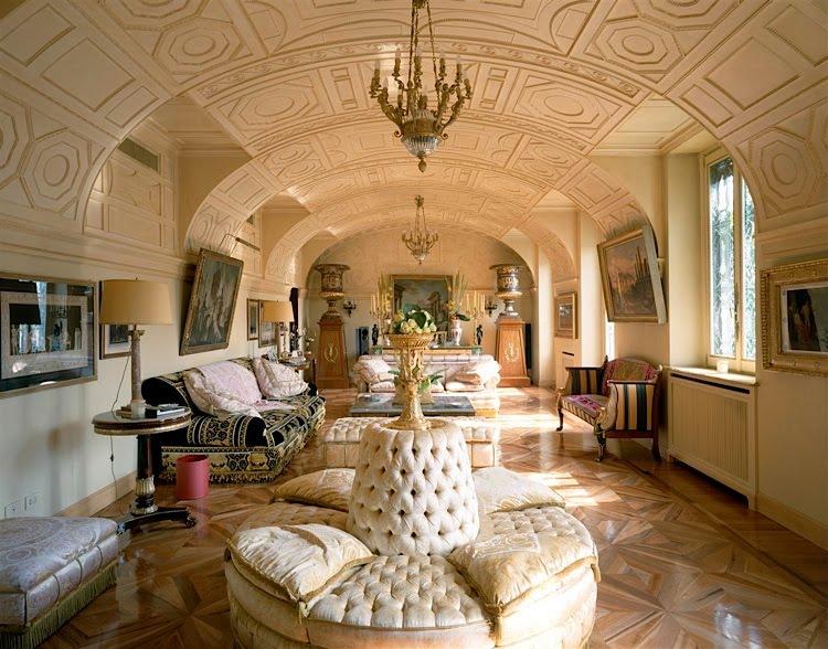 Bittersweet vogue donatella versace 39 s house - Versace home design ...