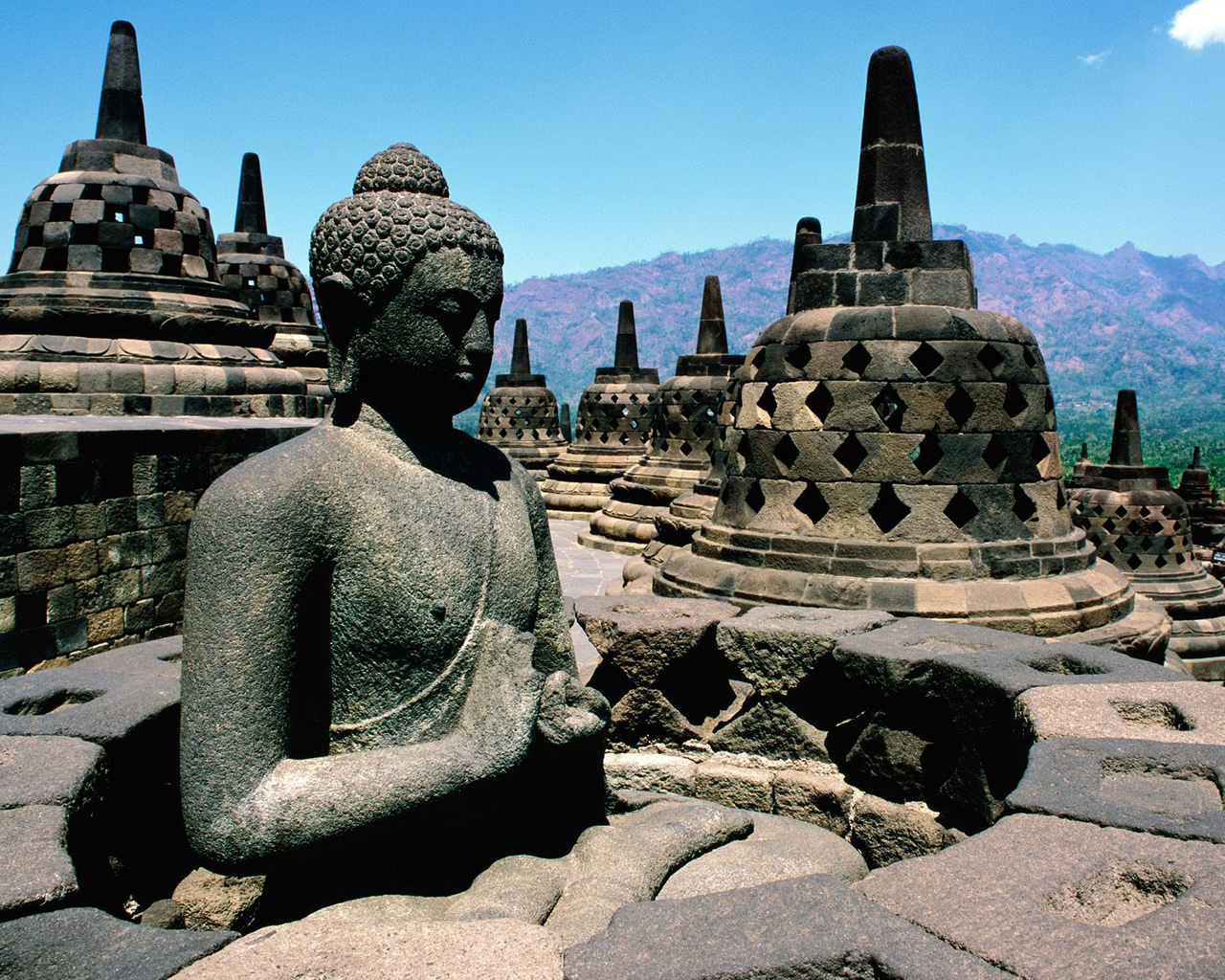 full of liar: Borobudur Temple