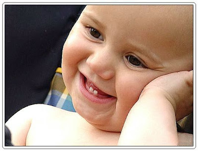Funny baby smiling pics