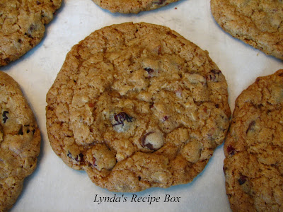Lynda's Recipe Box: Chocolate-Chip Oatmeal Cookies with Pecans and ...