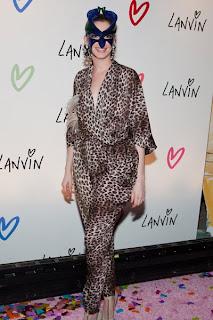 Halloween SlutchWatch: Anne Hathaway