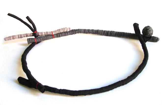 collar erizo negro