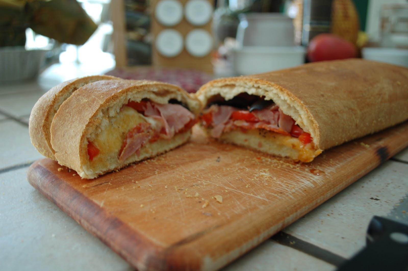 The Spice Garden: Stromboli - A Warm Sammich!